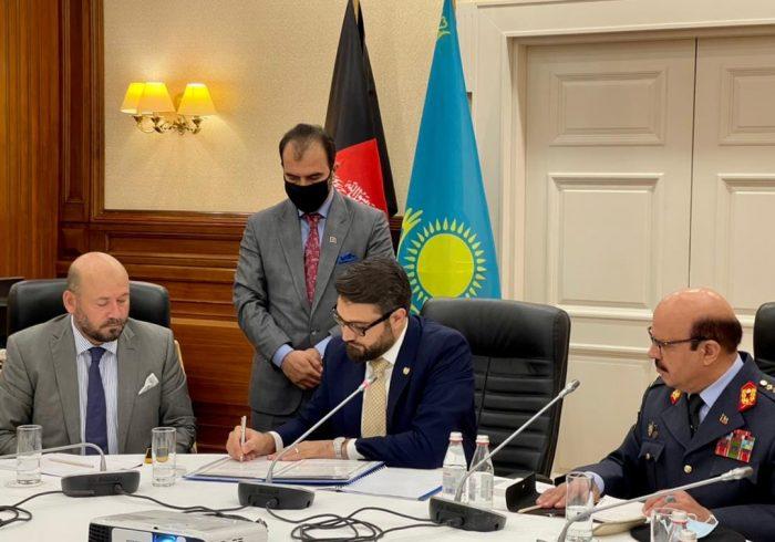 افغانستان و قزاقستان، توافقنامه همکاریهای نظامی امضا کردند
