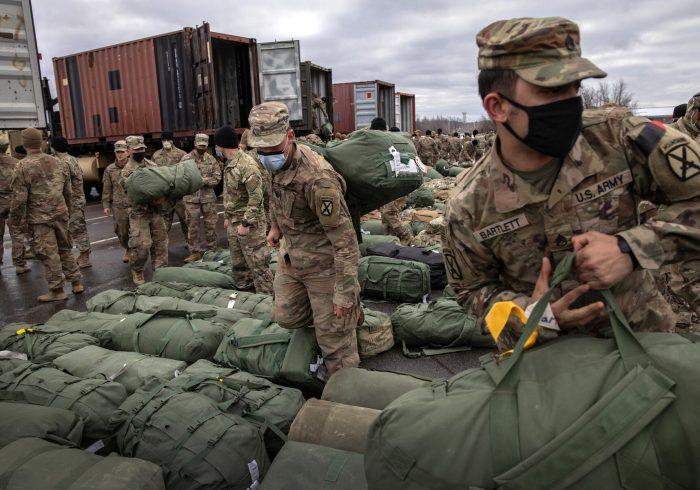 فرماندهی مرکزی امریکا: ۴۴ درصد نیروهای امریکایی از افغانستان خارج شدهاند