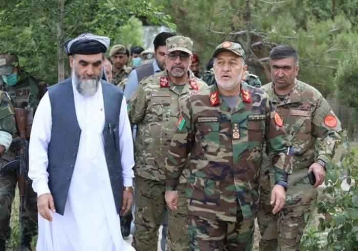 سرپرست وزارت دفاع: نیروهای امنیتی اجازه نخواهد داد که بار دیگر رژیم طالبان تحمیل شود