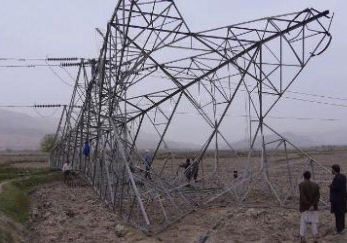 قطع برق کابل؛ یک پایه برق وارداتی در سالنگ جنوبی انفجار داده شد