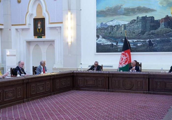 فصل جدید روابط کابل-واشنگتن؛ غنی برای بار دوم با خلیلزاد تشکیل جلسه داد