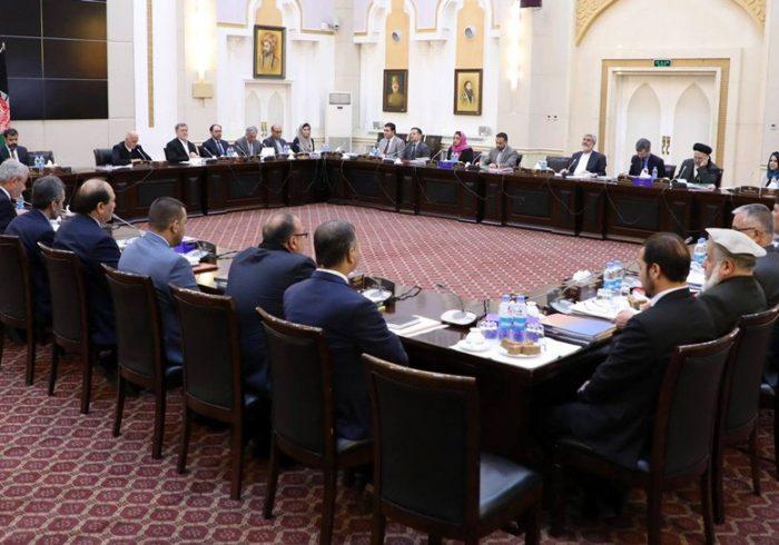معنوی: بحث آزاد وزرا در مورد حل مشکلات مردم در نشستهای کابینه تصویب شد