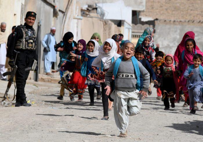 شش میلیون کودک افغان در معرض خطر؛ وزارت کار و امور اجتماعی: یک میلیون کودک معتاد هستند