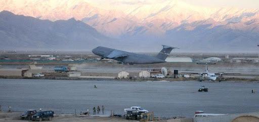 حملهی تهاجمی طالبان به میدان هوایی بگرام عقب زده شد