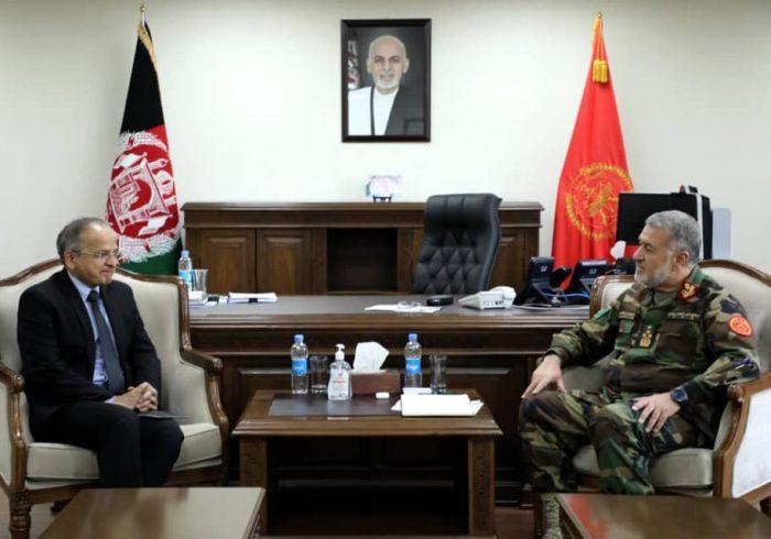 دهلی جدید، نیروهای امنیتی و دفاعی افغانستان را کمک میکند
