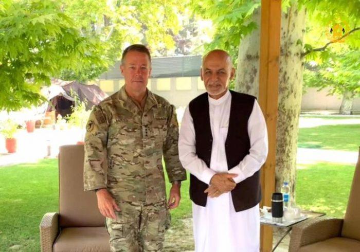 دیدار رییسجمهور با فرمانده عمومی ماموریت حمایت قاطع
