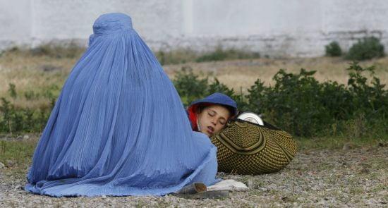 آوارهشدن هزاران خانواده در نتیجه جنگ در افغانستان