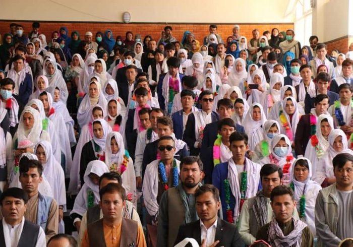 برگزاری عروسی دسته جمعی ۱۰۰ زوج جوان در دایکندی