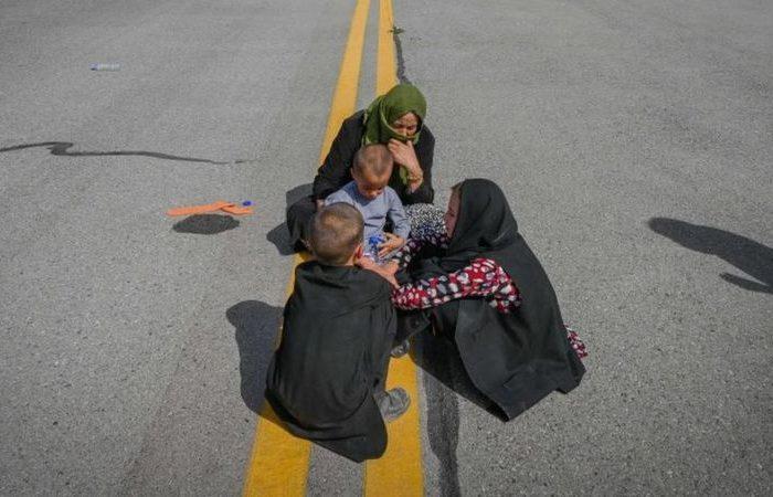 بریتانیا به ۲۰ هزار افغانِ در معرض خطر پناهندگی می دهد