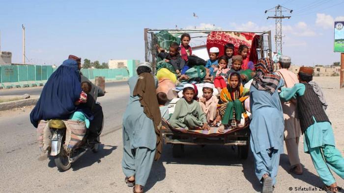 جنگ و آوارگی؛ وزارت مهاجرین: ۵۳ هزار خانواده در دو هفته اخیر آواره شدهاند