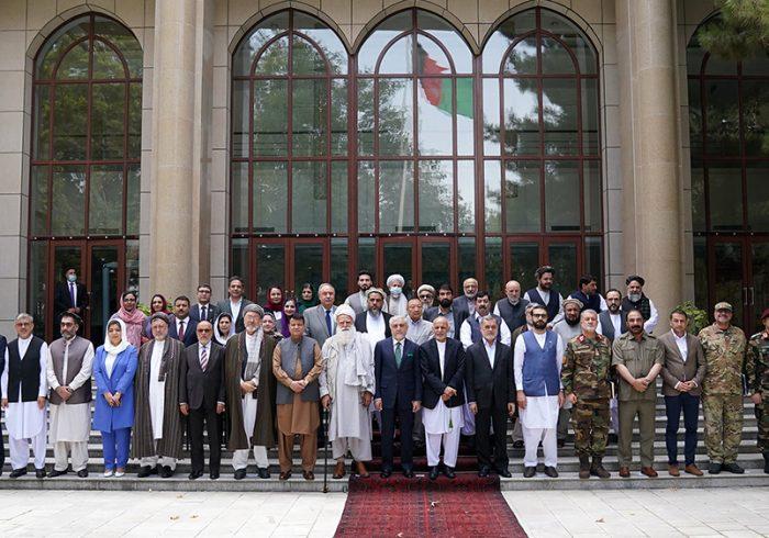 اعلان حمایت رهبران سیاسی و چهره های برجسته جهادی از نیروهای امنیتی و دفاعی کشور